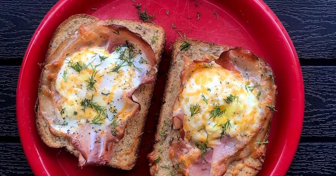 Jajka pieczone w toście